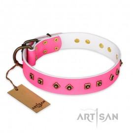 """""""Magic Pink"""" FDT Artisan Lederhalsband mit Altbronze Schmuck für Labrador"""
