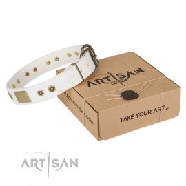 """Handcrafted Labrador Leather Dog Collar in white """"Unforgettable Impress"""""""