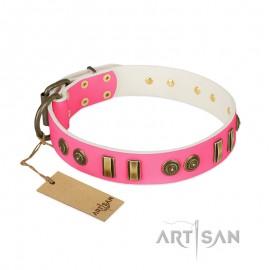 """Weibchen Lederhalsband von FDT Artisan """"Pink Amulet"""" für Labrador"""